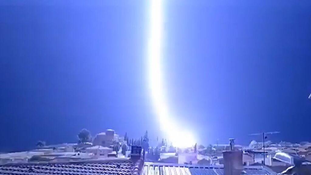 El espectacular rayo dejó sin luz a todo un pueblo en Cuenca