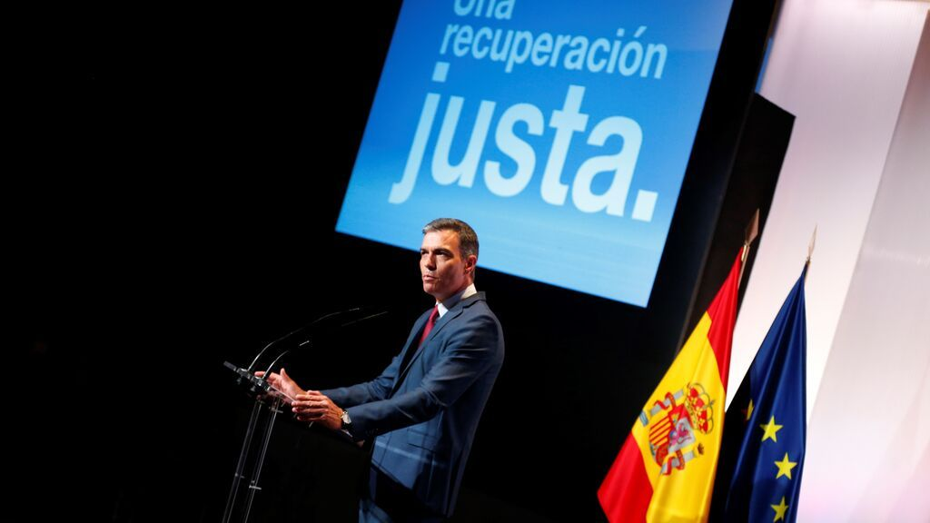"""Sánchez anuncia una """"subida inmediata"""" del SMI y una """"actuación"""" en el precio de la luz"""