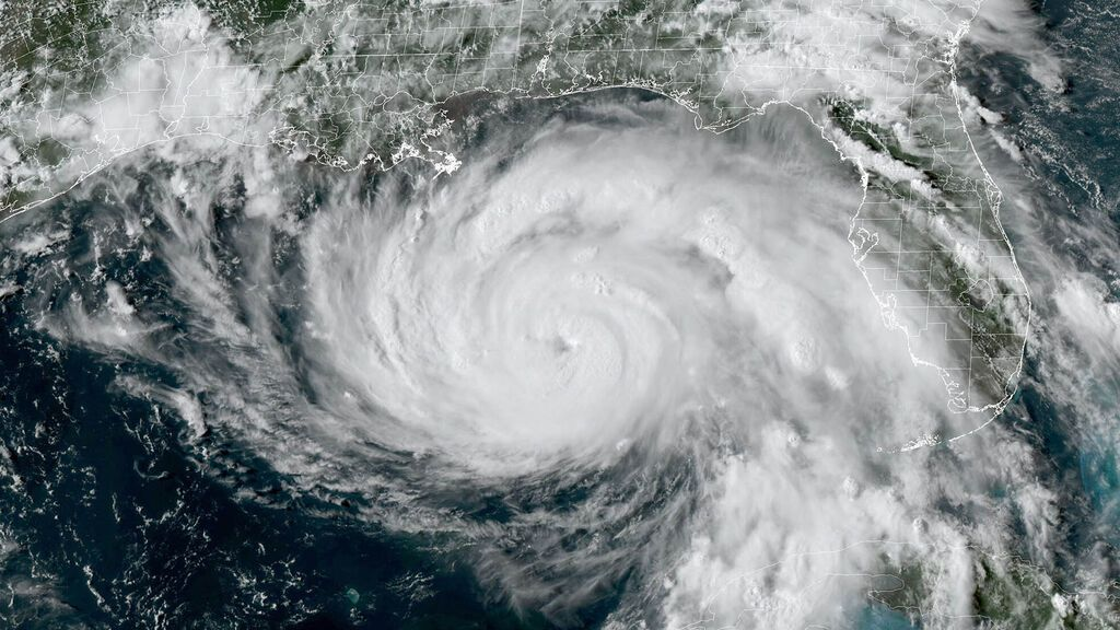 Los científicos alucinan con el rápido fortalecimiento del huracán Ida: así se hizo grande la tormenta