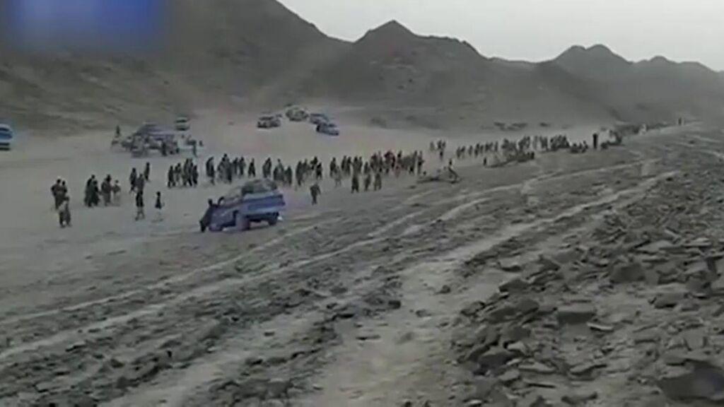 El éxodo a pie de los que abandonan Afganistán