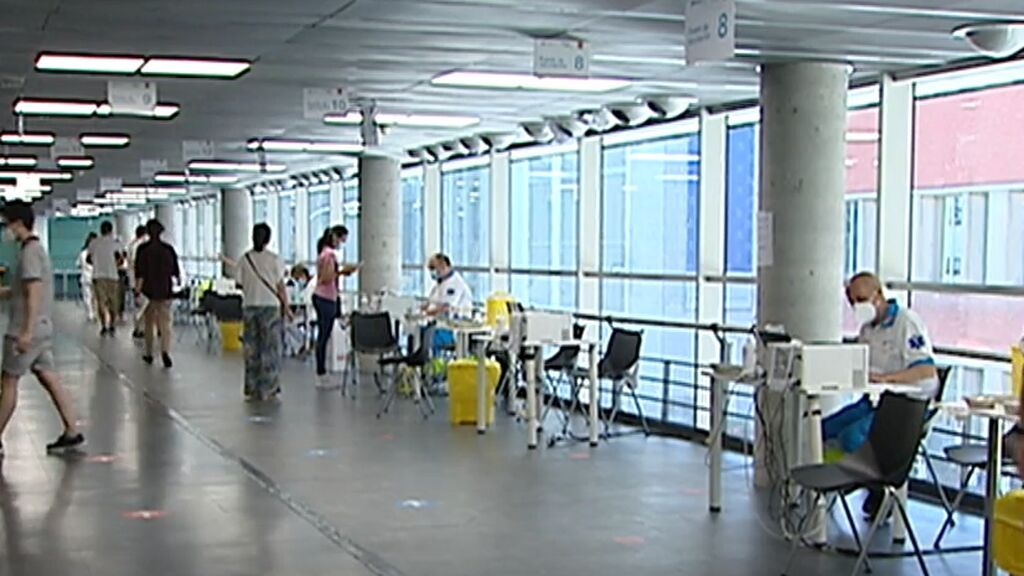 La EMA no ve necesaria tercera vacuna que en España sí se dará a inmunodeprimidos