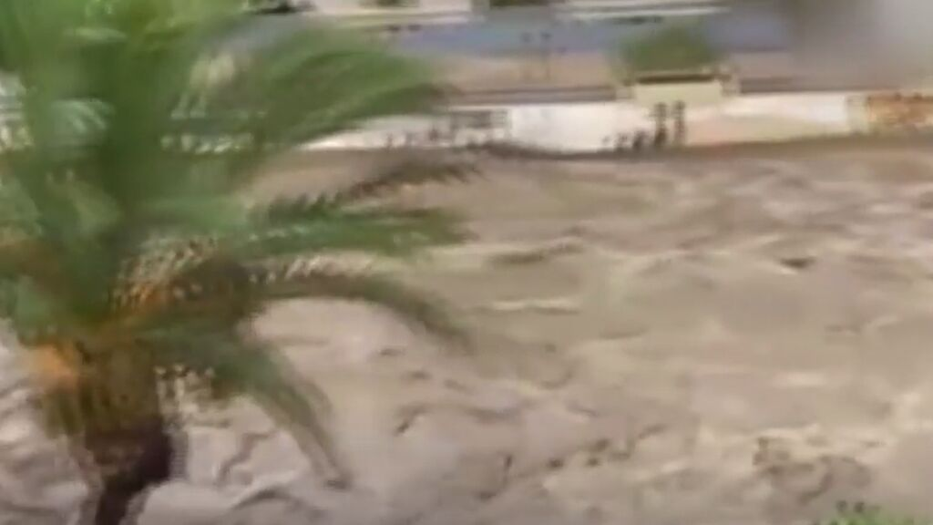 Aguacero en Murcia: la Rambla convertida en río