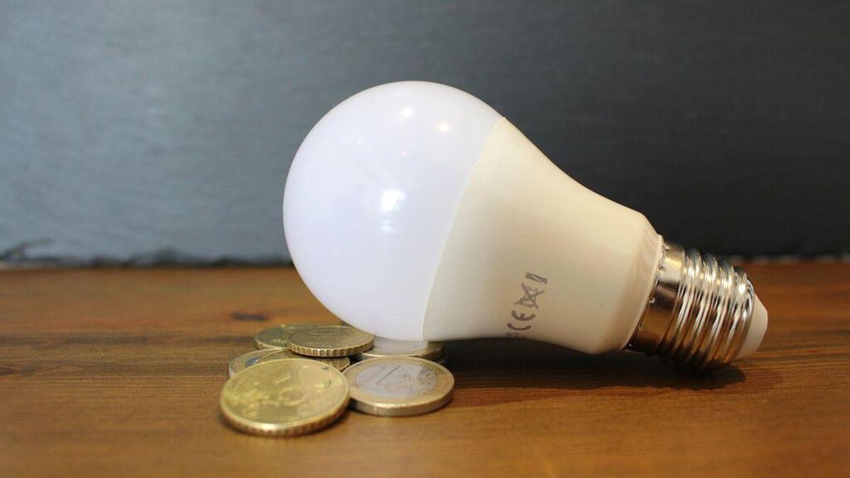 Bono Social Eléctrico: ¿quién y cómo puede solicitarse para bajar la factura de la luz?