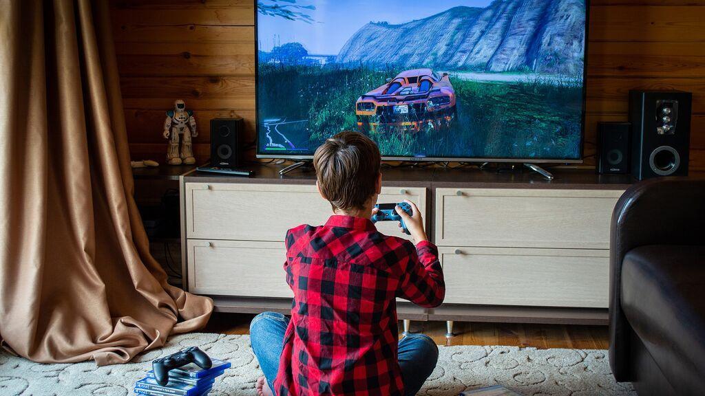 """Una experta nos habla del tiempo aconsejable de uso de videojuegos en los hijos: """"Las prohibiciones repentinas no son recomendables"""""""