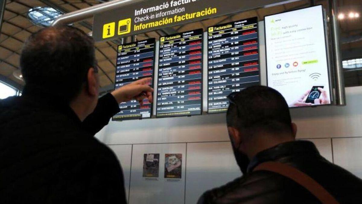 Una banda de albano-kosovares robaban a turistas en el aeropuerto de Alicante usando tácticas militares y pelucas