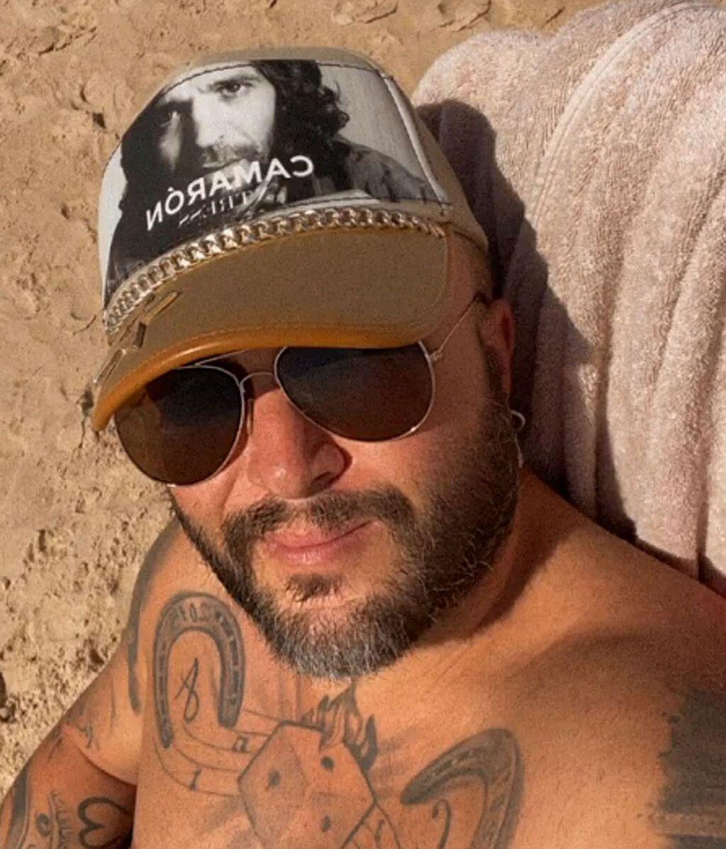 Kiko Rivera en la playa de Matalascañas