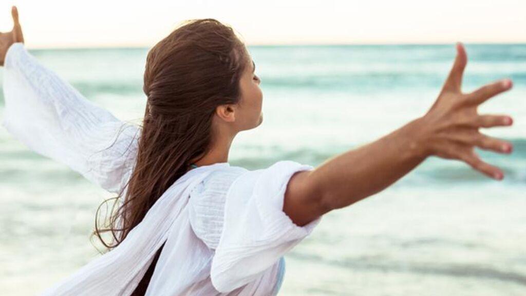 Un estudio sugiere que respirar aire húmedo en zonas de costa reduce el riesgo de contagio por covid