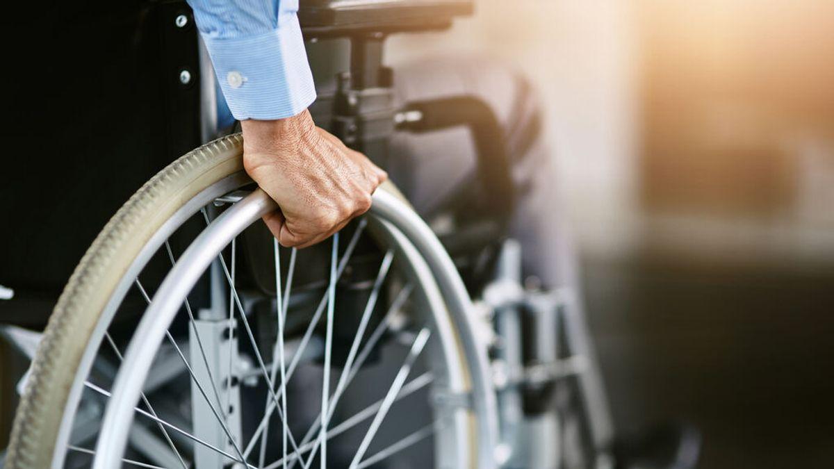 Una jueza da la razón a José María Ratoeira, el anciano discapacitado de 81 años a quien la Sareb quería quitarle su casa de Mondoñedo