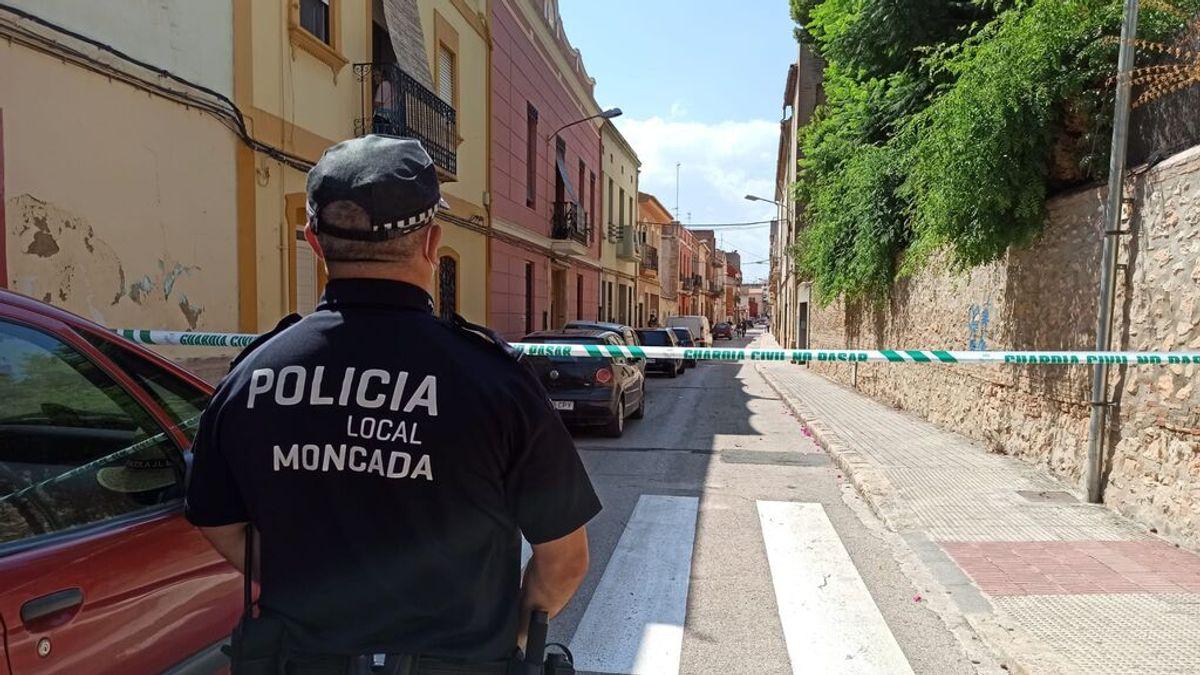 Un hombre mata a su madre y hiere a su padre en Moncada (Valencia)