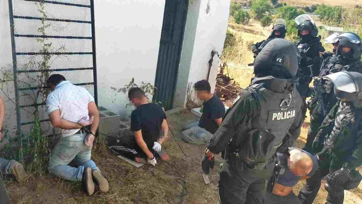 Desmantelan dos laboratorios clandestinos con capacidad para producir 300 kilogramos de cocaína al mes en Madrid
