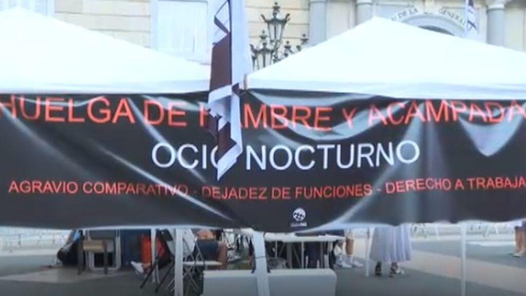 Tercer día de huelga de hambre de los empresarios del ocio nocturno acampados frente a la Generalitat