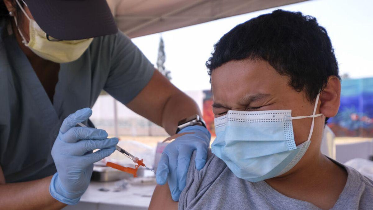Vacunar a los menores de 12 años para evitar que el virus se esconda y genere variantes que afecten a los adultos