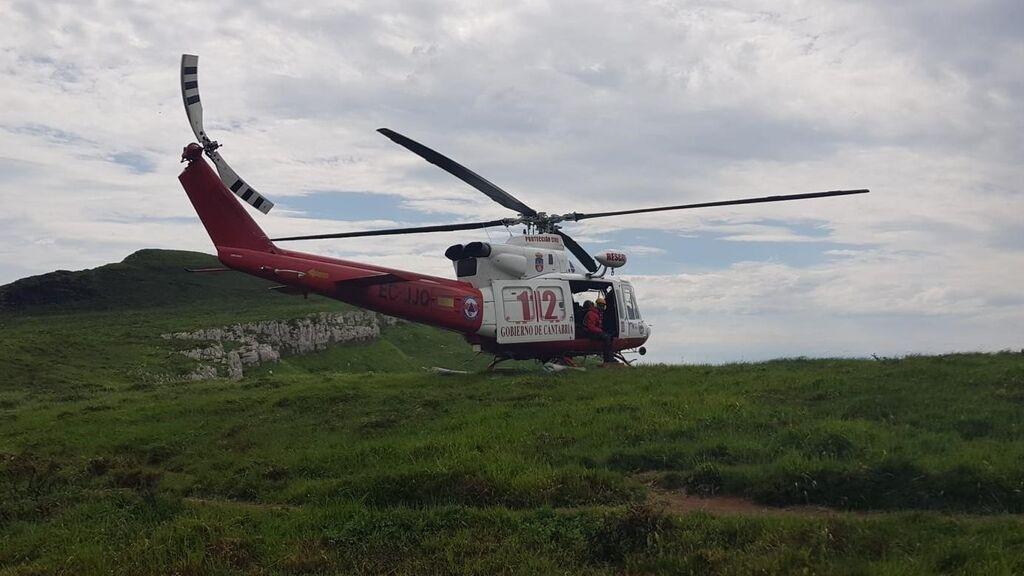"""Mueren dos mujeres al despeñarse por una """"abrupta"""" ladera cuando hacían senderismo por Cantabria"""