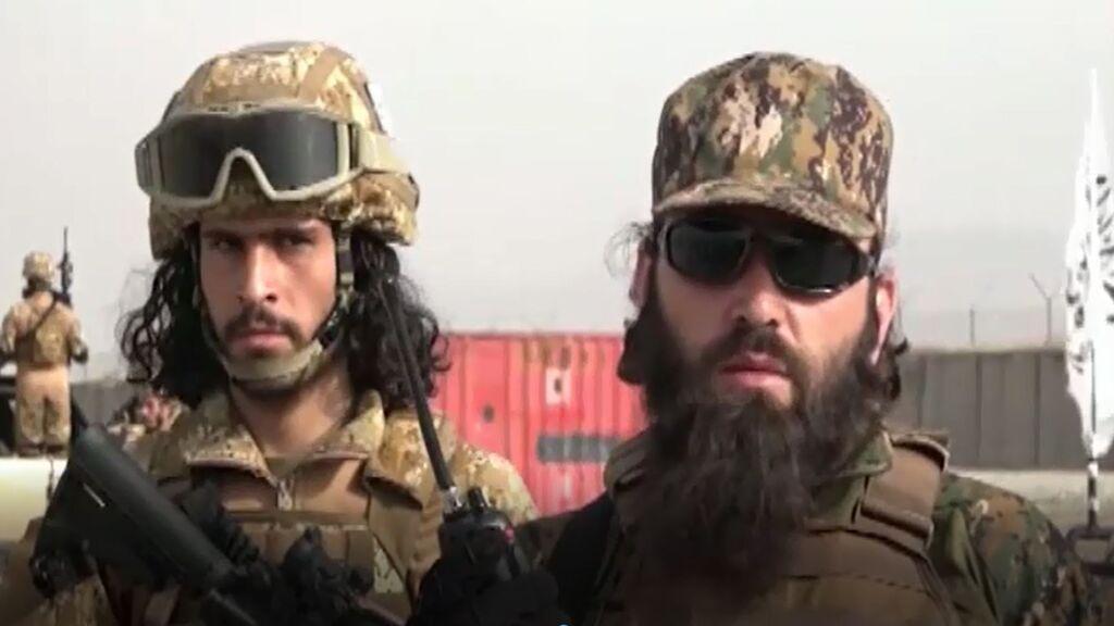Los talibanes presumen de un arsenal sofisticado