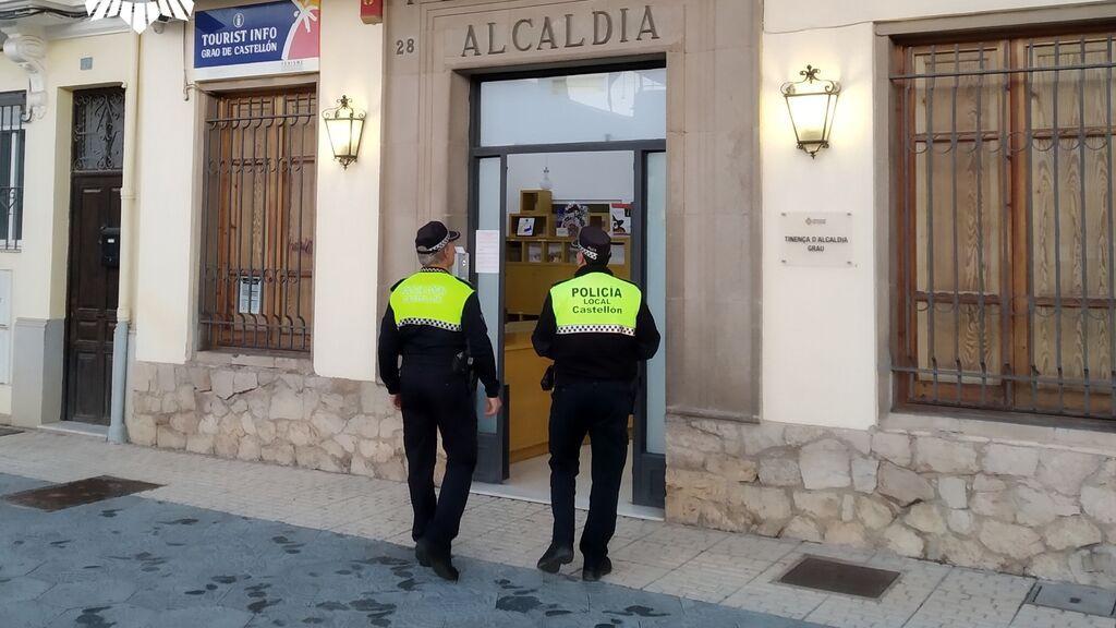 Un hombre saca una pistola simulada para exigir que se bajara la música en un acto feminista en Castellón