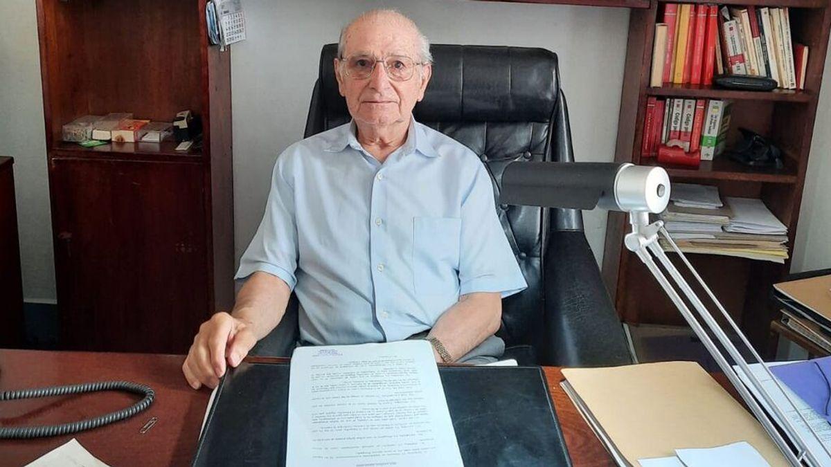 """El abogado en activo más longevo de España: """"Si lo dejo, me muero"""""""
