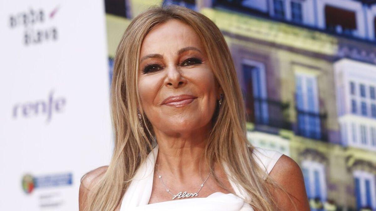 """Ana Obregón, muy emocionada, dedica el premio más especial de su carrera a su madre e hijo Aless: """"Sé que están orgullosos"""""""