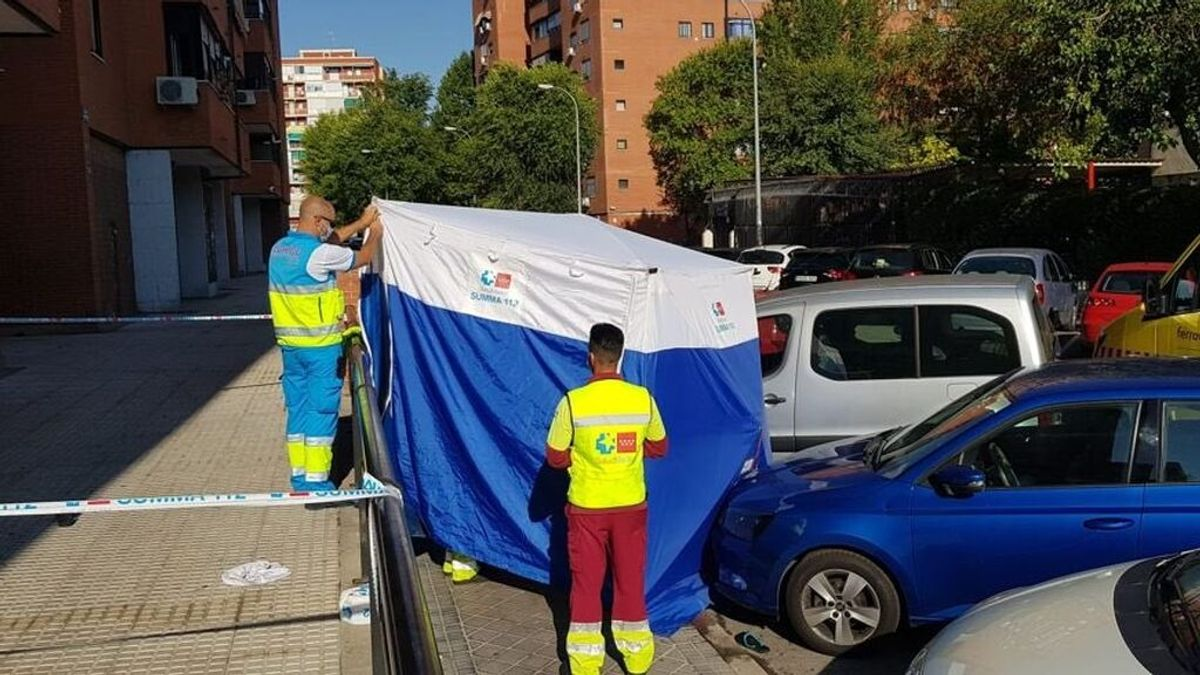 Muere una mujer tras caer de un 5º piso mientras limpiaba los critales en Fuenlabrada