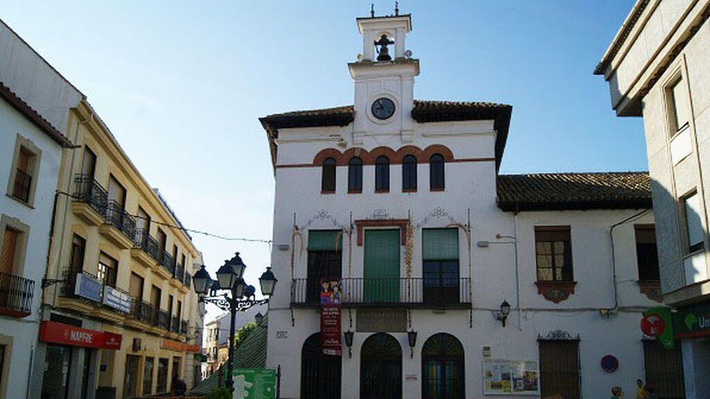 """""""Baja los plomos"""" una iniciativa ciudadana a la que se une el Ayuntamiento de Marmolejo contra la subida de la luz"""