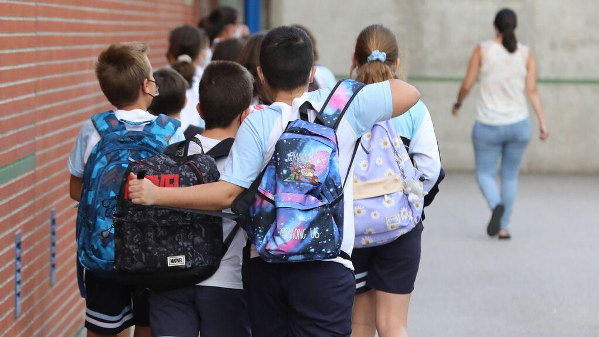 Sanidad propone que los alumnos vacunados no hagan cuarentena en España