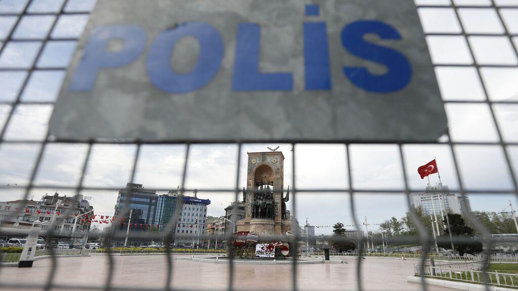 Turquía ordena el arresto de 240 personas por el intento de golpe de Estado de 2016