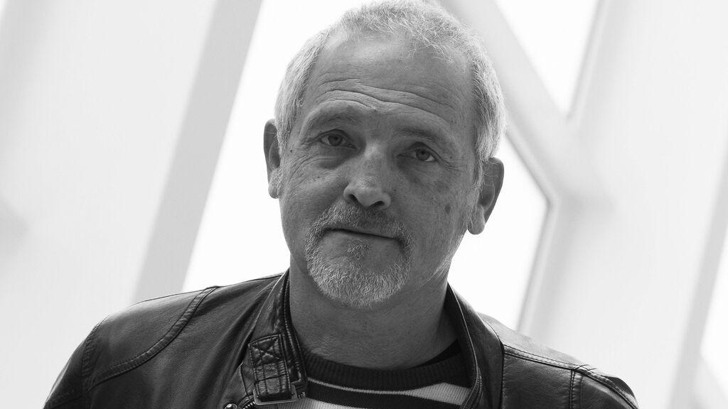 """Sin hijos y con su perro Bruce de cómplice: Jordi Rebellón eligió """"vivir solo antes que mal acompañado"""""""
