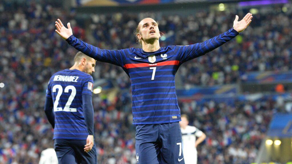 La súper clase de Benzema y Griezmann se unen para adelantar a Francia ante Finlandia