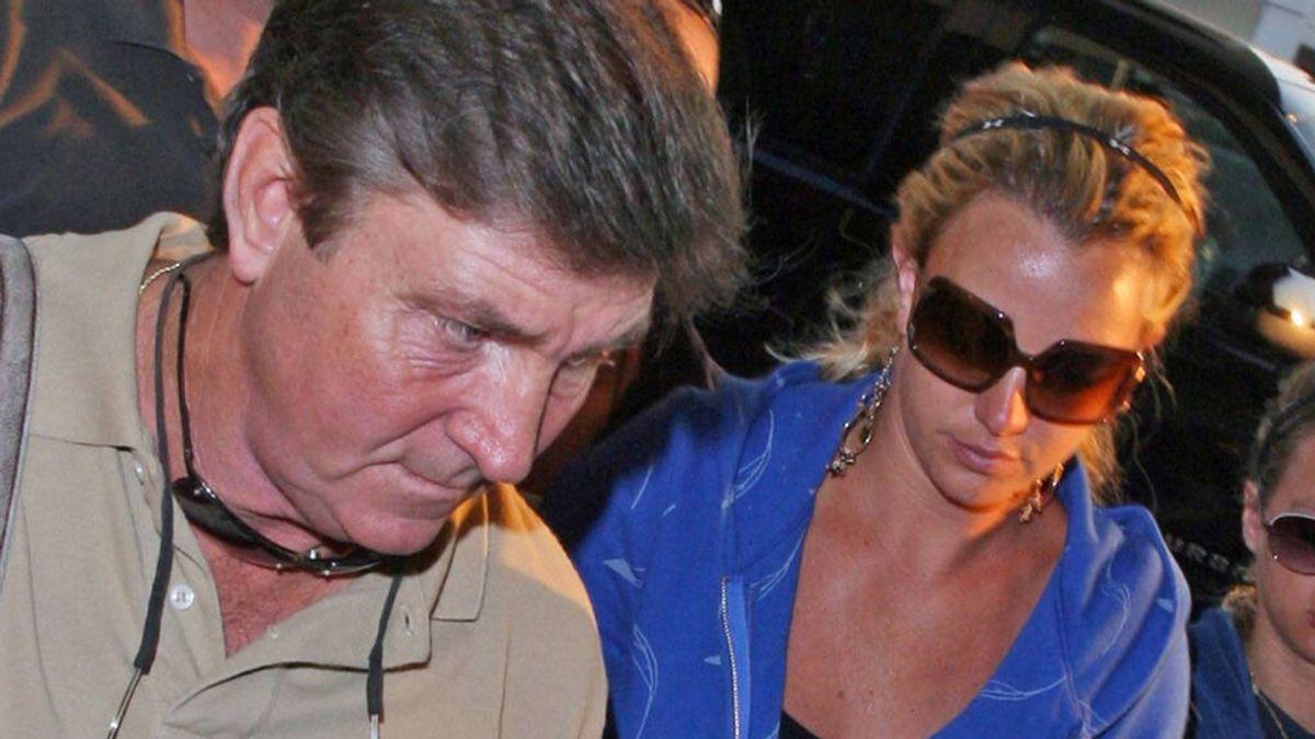 El padre de Britney Spears presenta ante el juez los documentos que ponen fin a la tutela de su hija