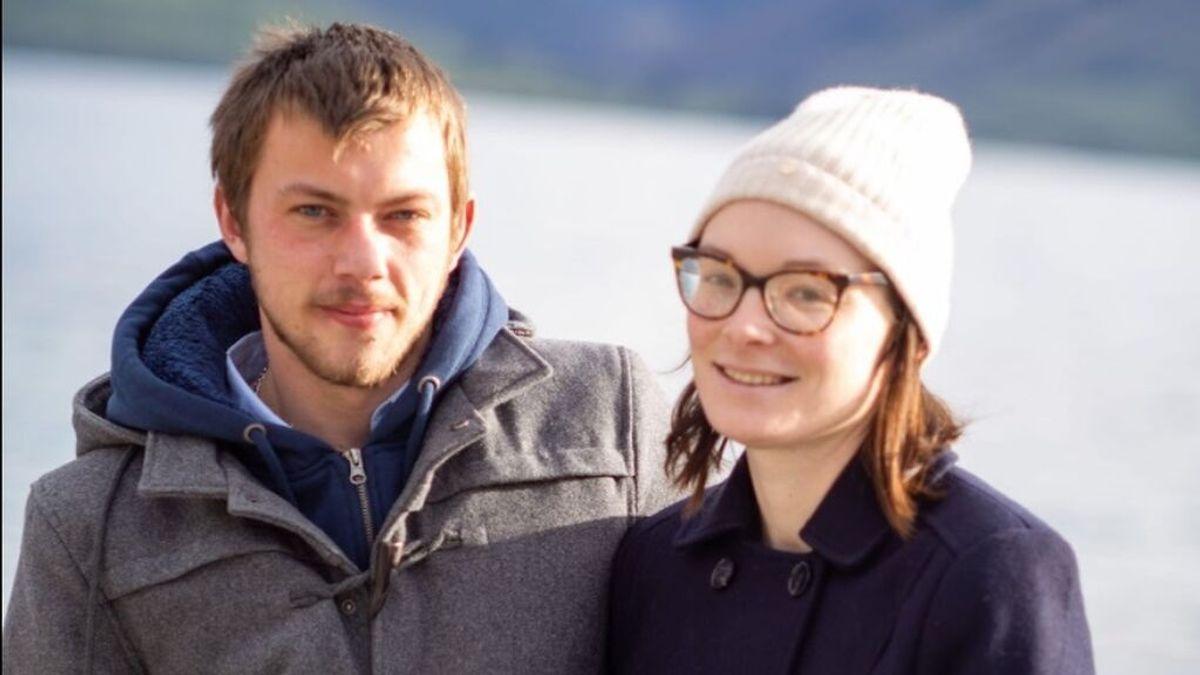 Una joven de 28 años muere de cáncer después de un mal diagnóstico: le dijeron que era bultos de grasa