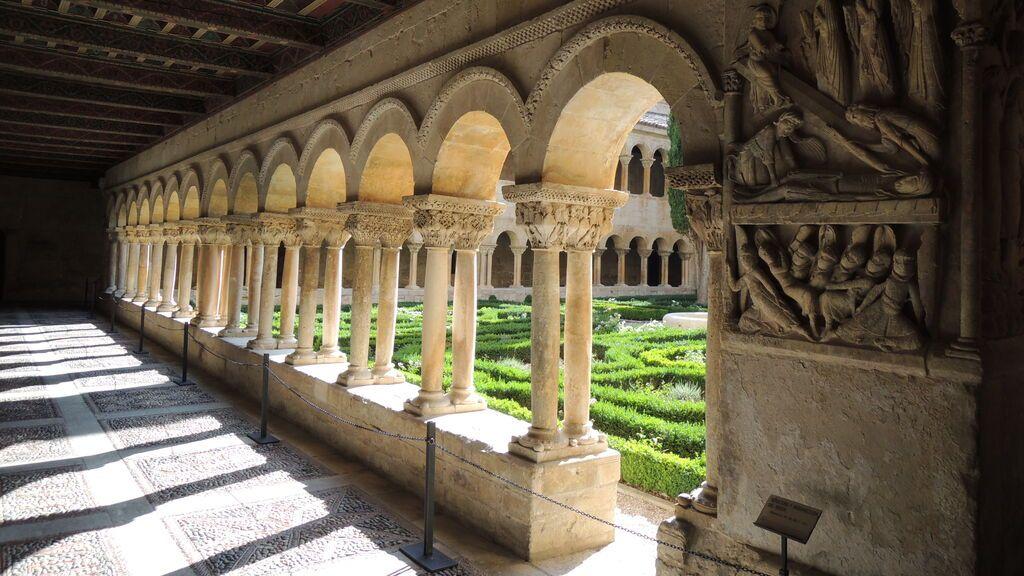 Monasterio_de_Santo_Domingo_de_Silos_(8211726528)