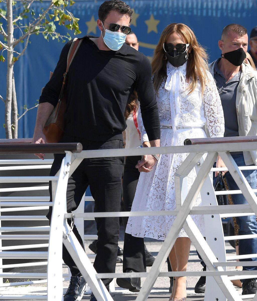 Ben Affleck con Jennifer López, a su llegada a Venecia