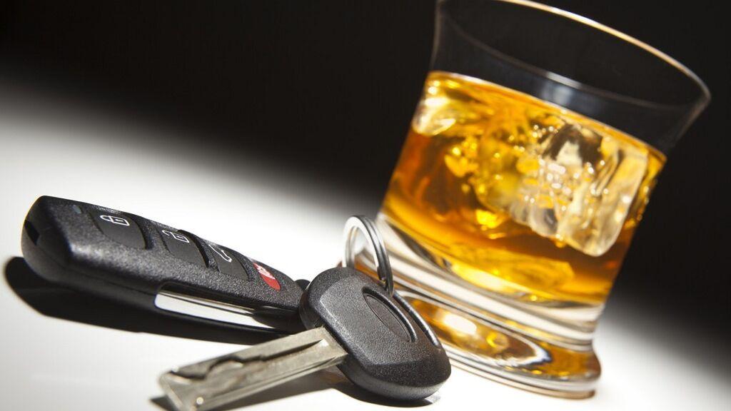 La DGT avisa: cinco factores que harán que aumenten tus posibilidades de dar positivo en un control de alcoholemia