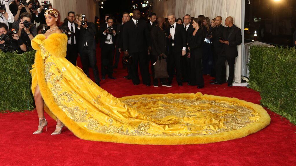 Rihanna, de Guo Pei en 2015