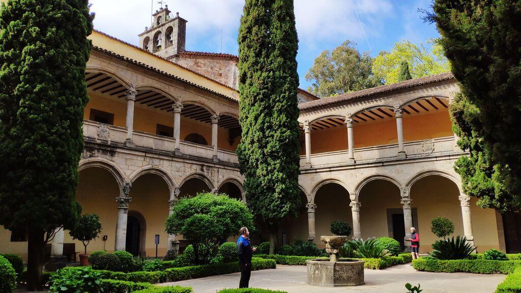 Claustro_renacentista_del_monasterio_de_Yuste,_Cáceres