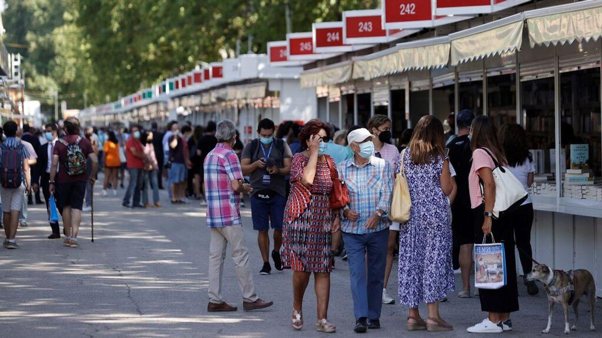 Arranca la Feria del Libro de Madrid: encuentra tu escritor favorito con el buscador de casetas, fechas y horarios