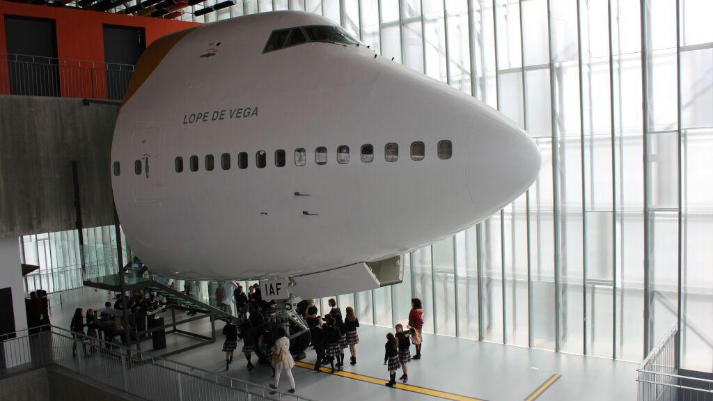 El avión que trajo el Guernica a España, icono del museo MUNCYT de A Coruña