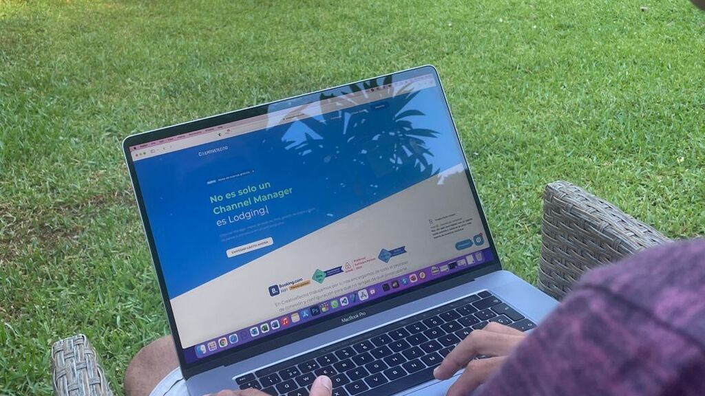 Alejandro en su web