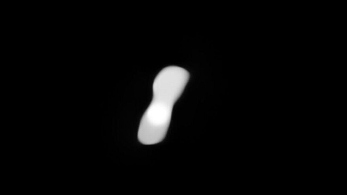 Las espectaculares imágenes del peculiar asteroide Kleopatra, con forma de hueso de perro