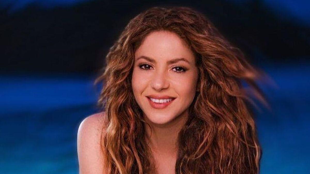 """Shakira posa con sus padres Nidia Ripoll y William Mebarak, que tiene 90 años: """"Eres mi mejor amigo"""""""