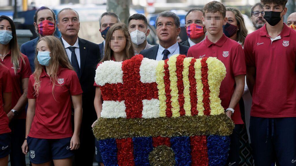 El presidente del FC Barcelona, Joan Laporta, durante la ofrenda
