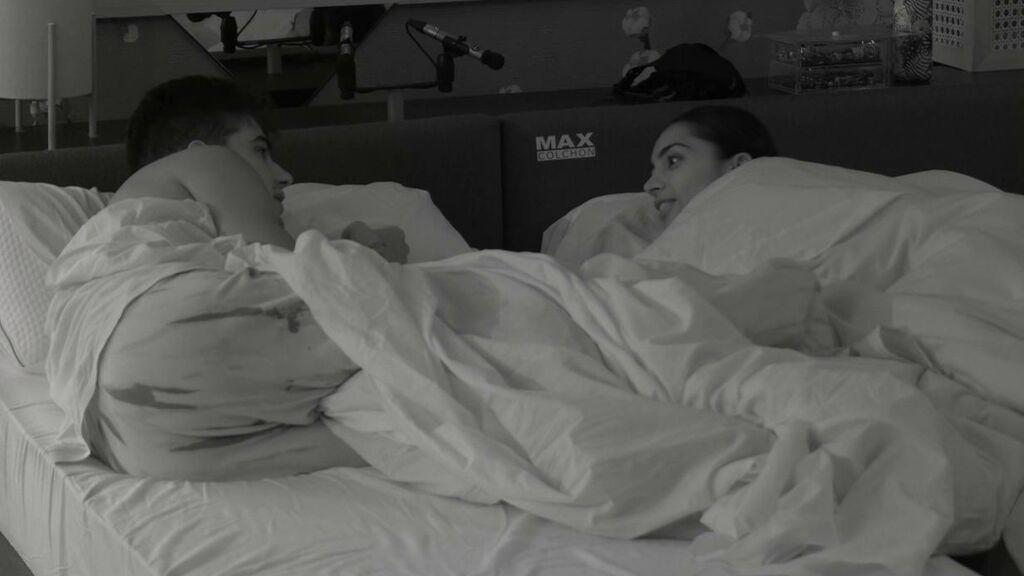 Julen y Sandra duermen muy juntos