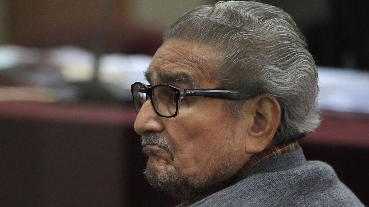 Muere a los 86 años Abimael Guzmán, líder del grupo terrorista peruano Sendero Luminoso