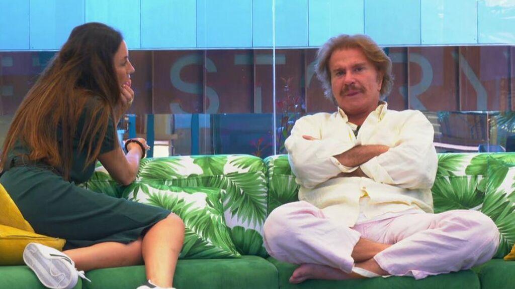 Bigote Arrocet se emociona y habla de su rotura con Teresa Campos