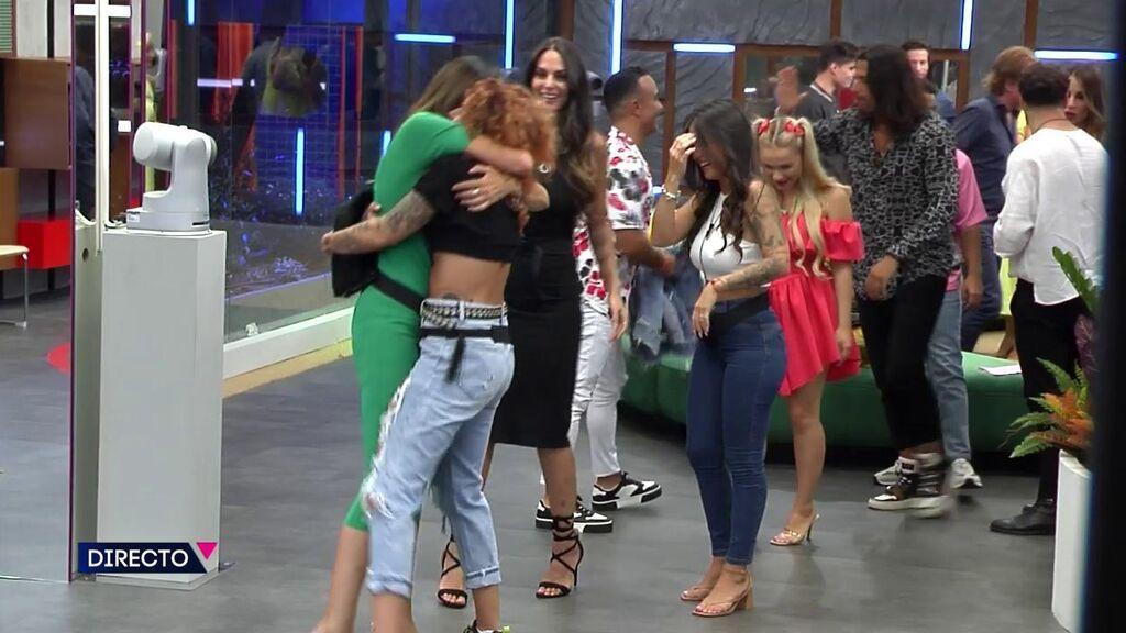 Sofía y Luis se reencuentran con sus compañeros