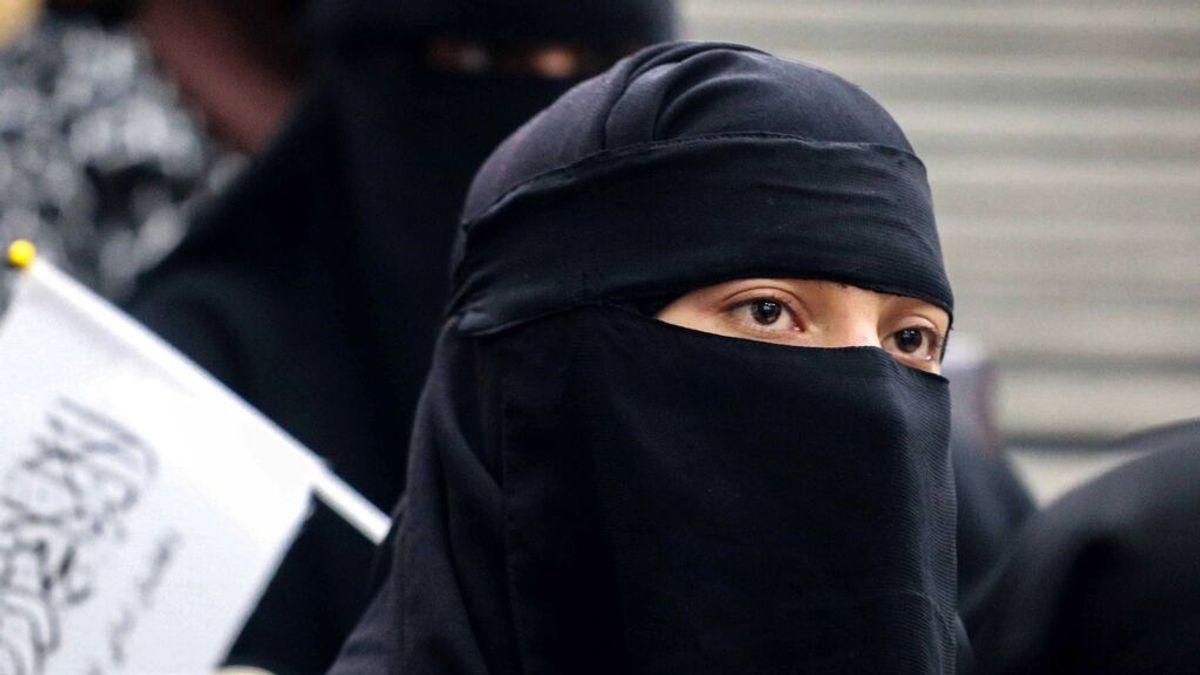 """Los talibán oficializan la segregación por sexos en universidades para cumplir """"los principios del islam"""""""