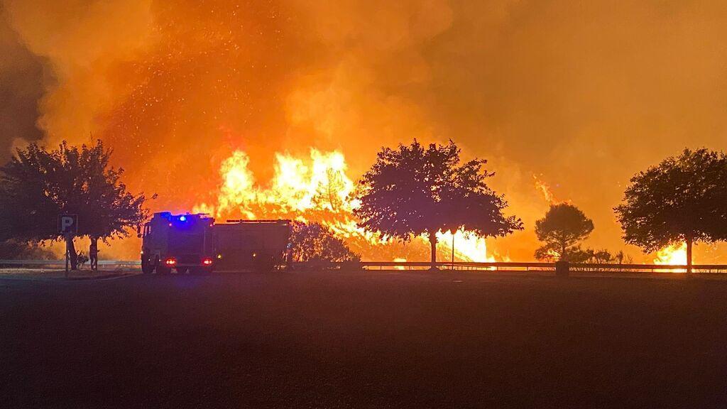El incendio de Málaga obliga a nuevos desalojos