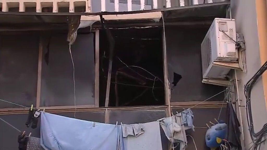 Una mujer muerta y 18 heridos en el incendio de un piso en Olesa de Montserrat, Barcelona