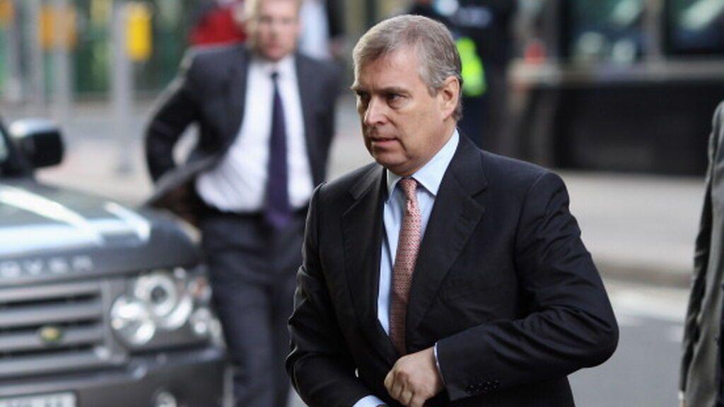 El príncipe Andrés recibe la notificación de demanda por abuso sexual a una menor