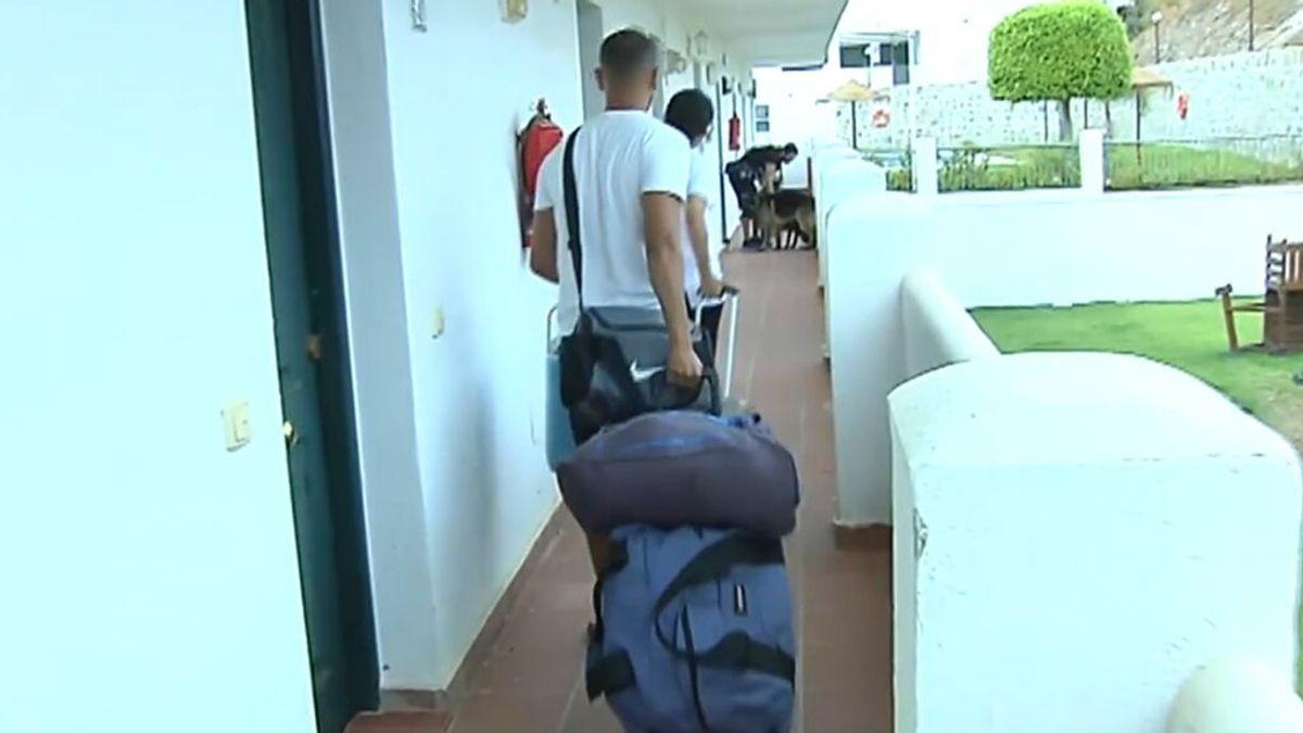 Regresan a sus casas casi mil vecinos desalojados por el incendio de Sierra Bermeja en Málaga