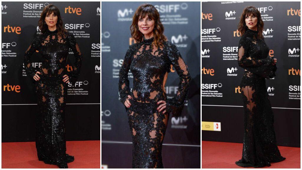 Maribel Verdú eligió un vestido negro con transparencias.